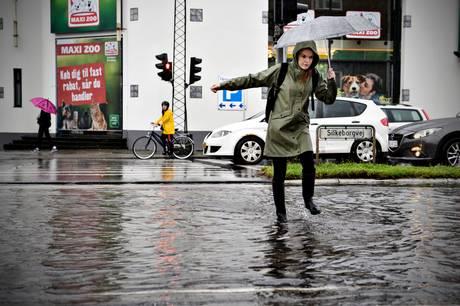 DMI varsler et vådt og blæsende døgn fra tirsdag aften til onsdag aften i Østjylland.