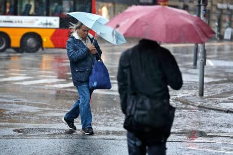 Store dele af Danmark kan se frem til et vådt og blæsende onsdagsdøgn og i Jylland ventes der at falde ret store mængder regn.