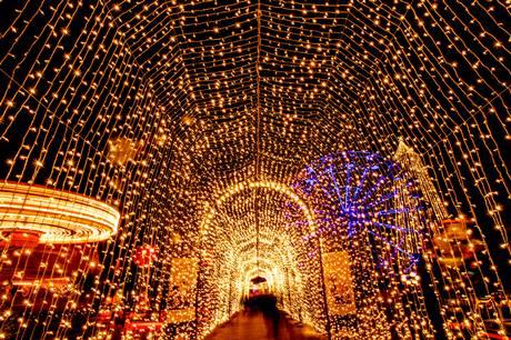 Der bliver bestemt ikke sparet på lysene, når Tivoli Friheden i næste måned inviterer julehyggen ind i den aarhusianske forlystelsespark.