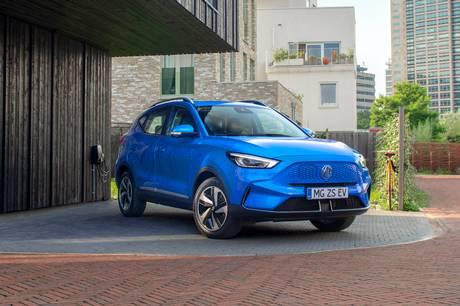 MG ZS EV får stort facelift, der giver markant længere rækkevidde på op mod 440 km, hurtigere opladning og bedre infotainment.