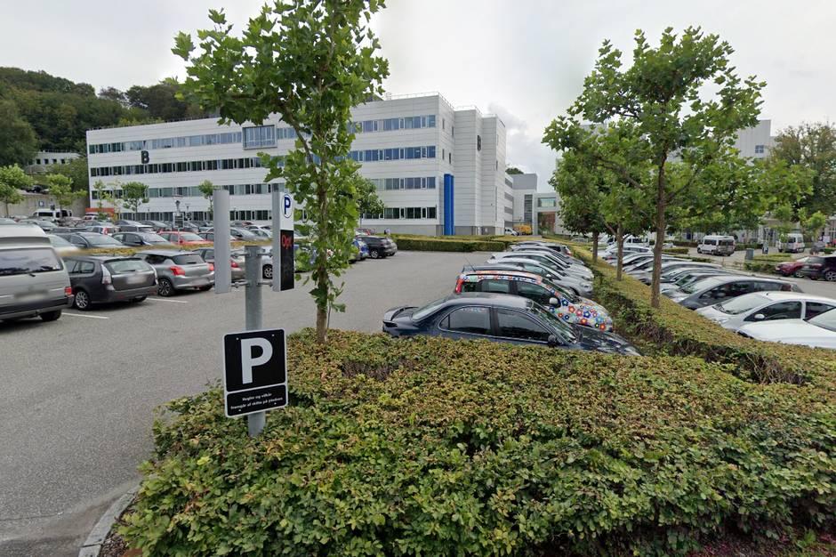 To mænd på 52 og 54 år er dømt for at have bedraget Sygehus Lillebælt i forening med sygehusets tidligere indkøbschef.