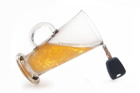 Rutinestandsning afslørede bilist med alkohol og stoffer i kroppen.