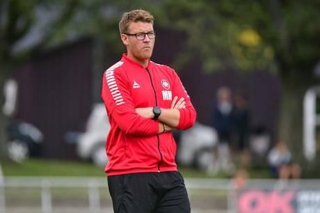 """""""Selvfølgelig bliver man ramt på ens faglige stolthed. Det kan ikke undgås. Men det motiverer også en til at modbevise sine kritikere i fremtiden,"""" siger den 35-årige Morten Mølkjær, der i slutningen af februar blev fyret som cheftræner i 1. divisionsklubben Kolding IF. Her i rollen som Aarhus Fremad-træner, hvor han var i flere sæsoner."""