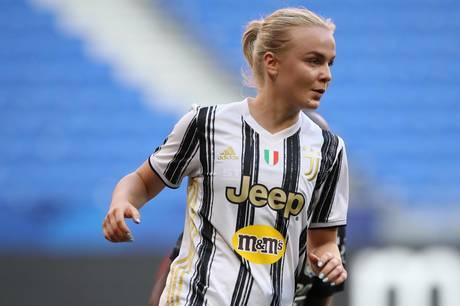 Matilde Lundorf i kamp for Juventus.