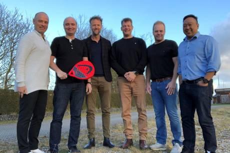 De seks initiativtagere til padel- tennis-centret i Skanderborg, f.v. Kenneth Thrane, Michael thrane, Morten Ballisager, Michael Laursen, Lars Seehausen og Erik Andersen. Privatfoto.