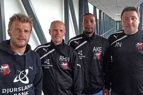 Jesper Nimb Sørensen (yderst th.) skal i Grenaa IF udvikle lokale talenter til Danmarksseriespillere. Arkivfoto